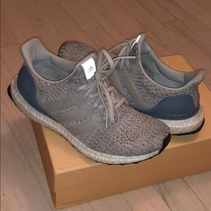 Adidas Ultra Boost size 7